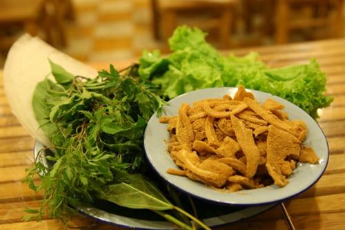 Góc nhỏ đủ món ngon Hà Nội giữa Sài Gòn