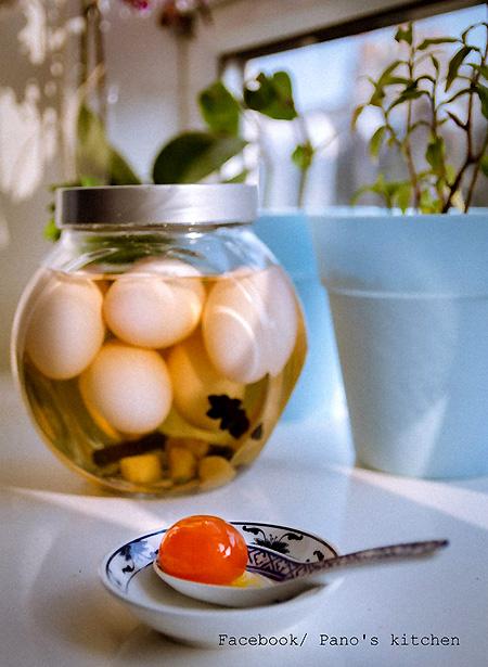 Tự làm trứng muối ngon như mua