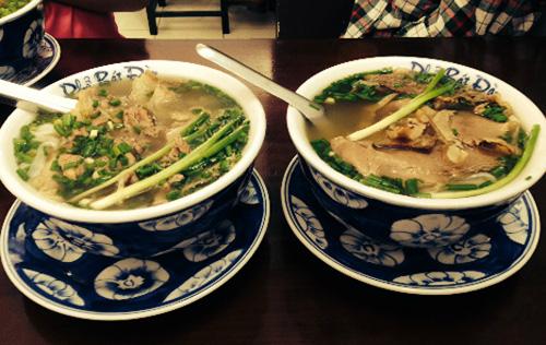 9 món ăn khách ngoại quyết không bỏ lỡ khi đến Việt Nam