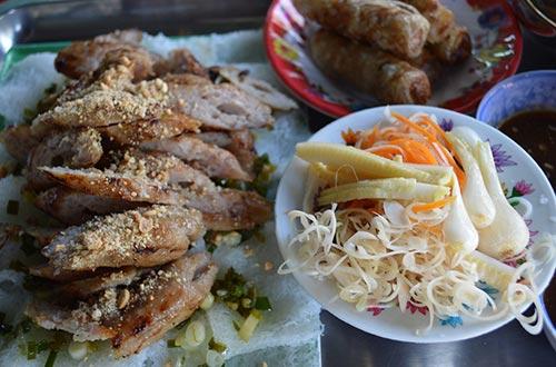 Món ăn vặt buổi chiều ở bến Ninh Kiều