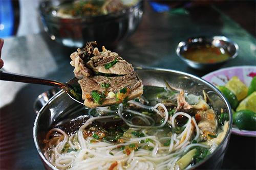 Bún măng vịt - món ăn đêm ở Sài Gòn