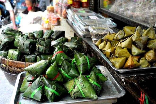 Một vòng chợ xứ Quảng Sài Gòn, kiếm đủ đồ ngon