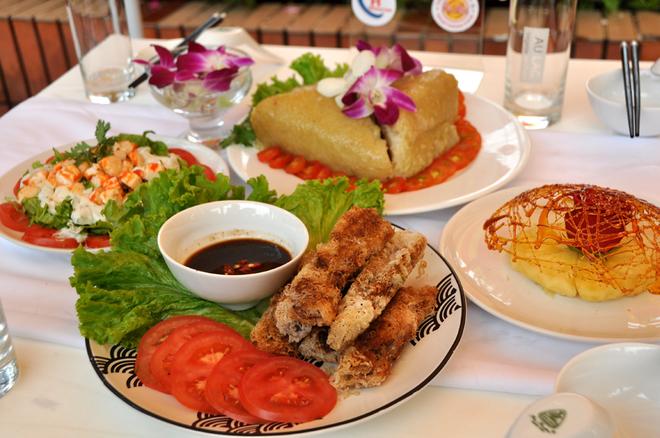 Học sinh Sài Gòn nấu ăn chuyên nghiệp như đầu bếp